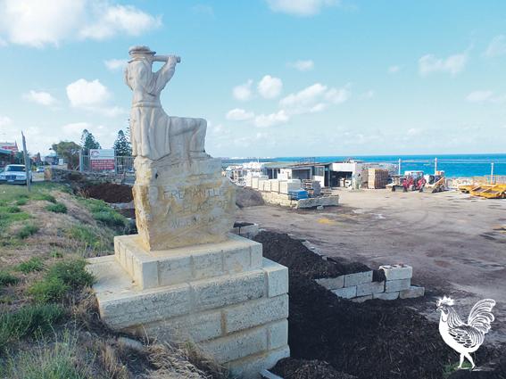 01NEWS fremantle statue SUB