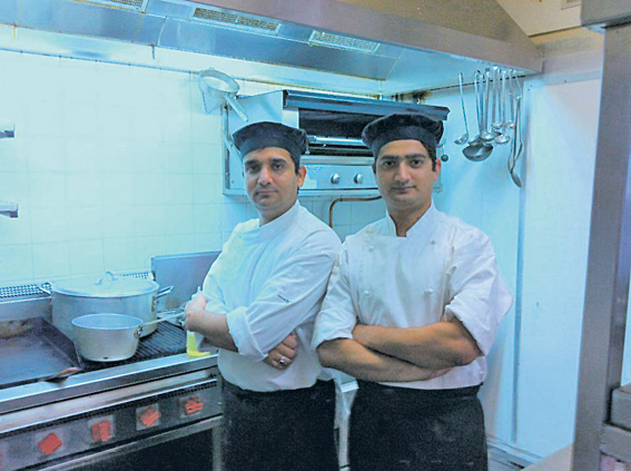 • Flames' express chefs Mehar Singh and Amit Shilpa Chauhan.
