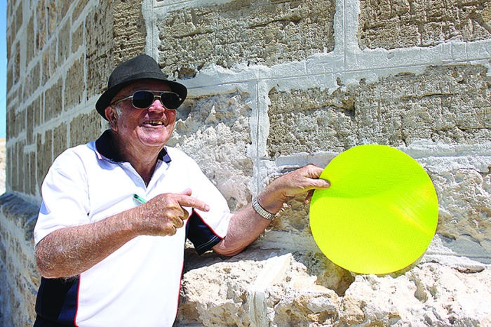 • Les Green reckons dolling up the Roundhouse—where people were imprisoned and died—with yellow spots is in bad taste and could damage the building.