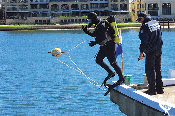 • Police divers returned to the Fremantle Traffic Bridge this week looking for more clues into the murder of Annabelle Chen. Photos by Sophie Moore